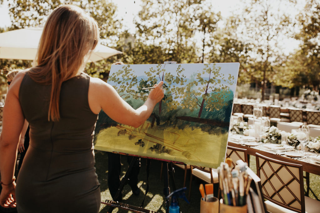 Live painter at reception site